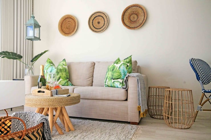 Cape Town Apartment:  Living room by Principia Design, Eclectic