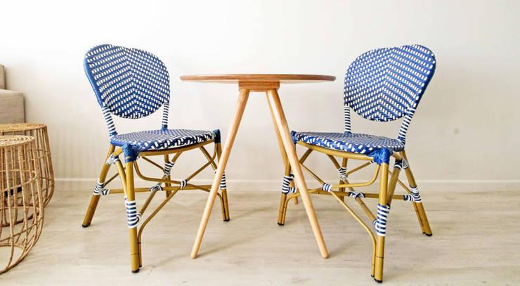 Cape Town Apartment: eclectic Kitchen by Principia Design