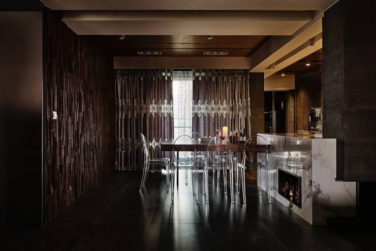 侘寂宅居:  餐廳 by 大湖森林室內設計