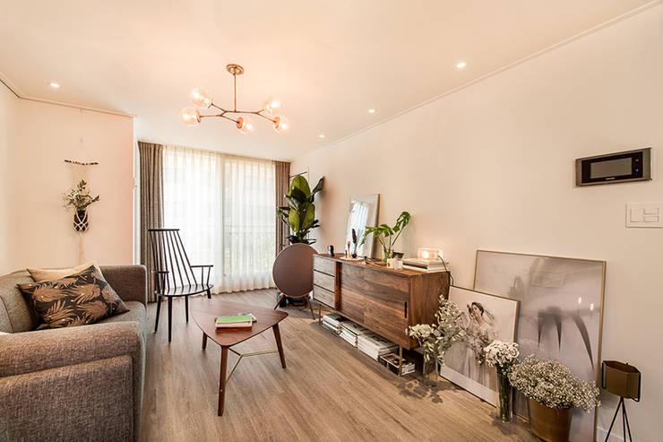 Living room by 봄디자인, Modern