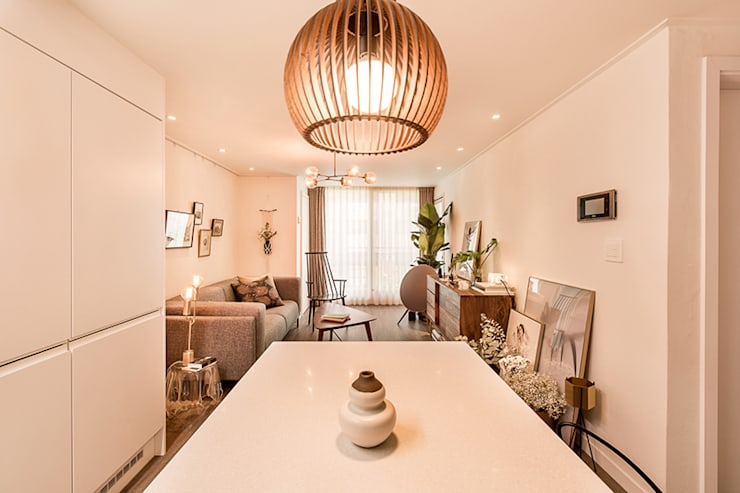 Dining room by 봄디자인, Modern