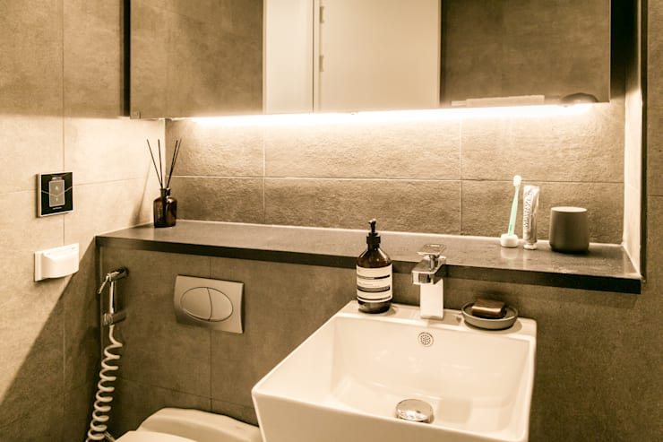 Bathroom by 봄디자인