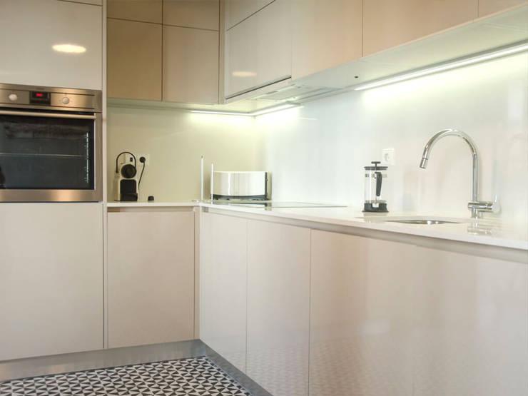 Espaço funcional : Cozinha  por Padimat Design+Technic