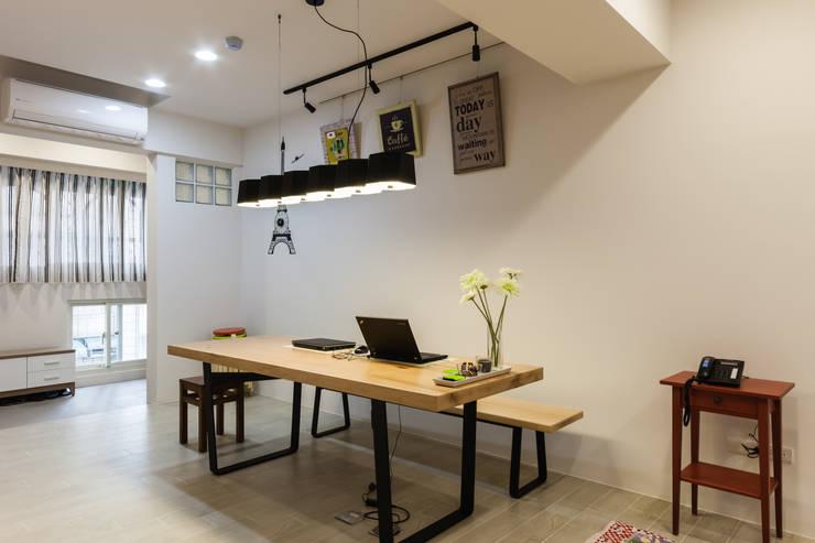 家與工作室的結合:   by 好室佳室內設計