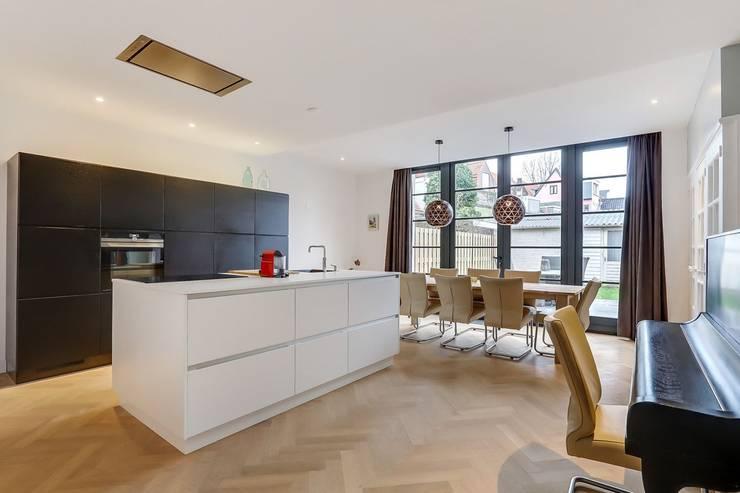 Interne verbouwing Leiden:  Keuken door Puurbouwen
