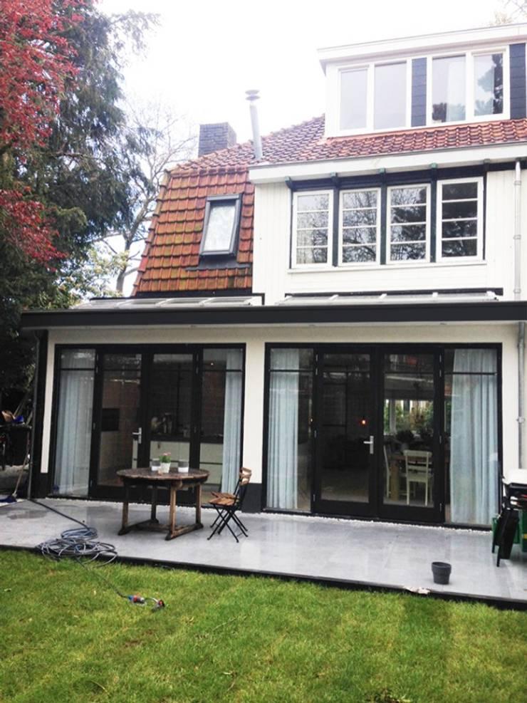 Zij aanbouw Bussum:  Huizen door Puurbouwen, Klassiek