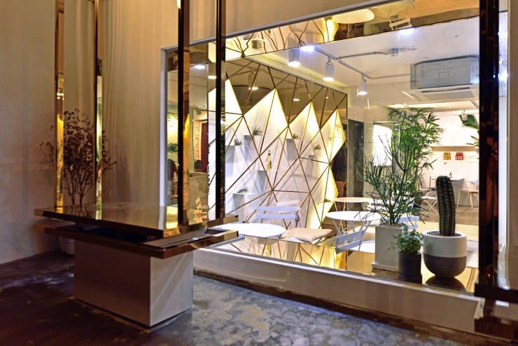 Cafe Arriere Cour: ARTEFACT의  바 & 카페