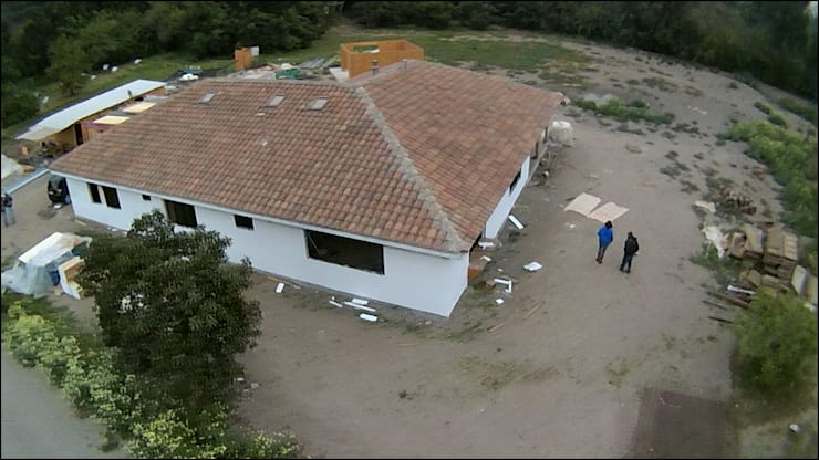 vista dron: Casas de estilo  por ATELIER3