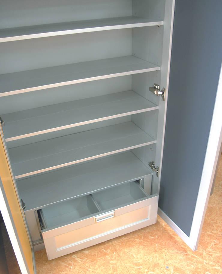 세련미와 깔끔함이 돋보이는.. 스마트, 심플, 쿨한 주방 - 보넨핑크: 씽크박사 의  주방