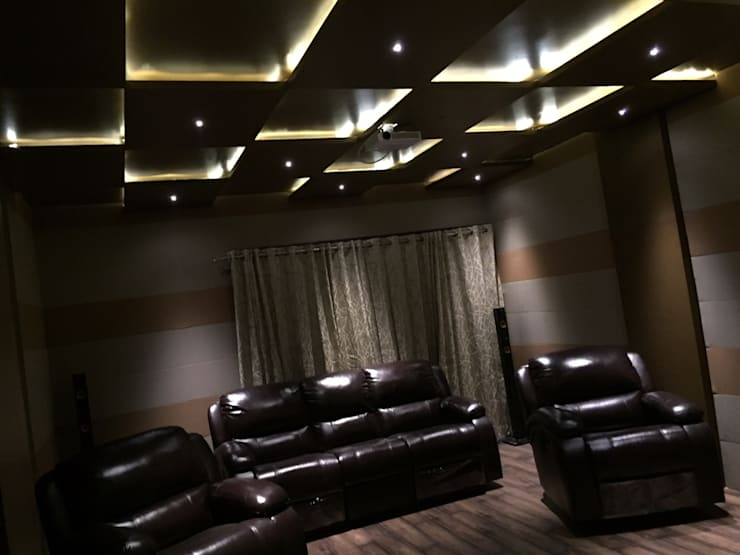 Media room by Vdezin Interiors