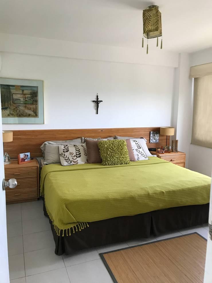 Dormitorio : Dormitorios de estilo  por RedecoraYa