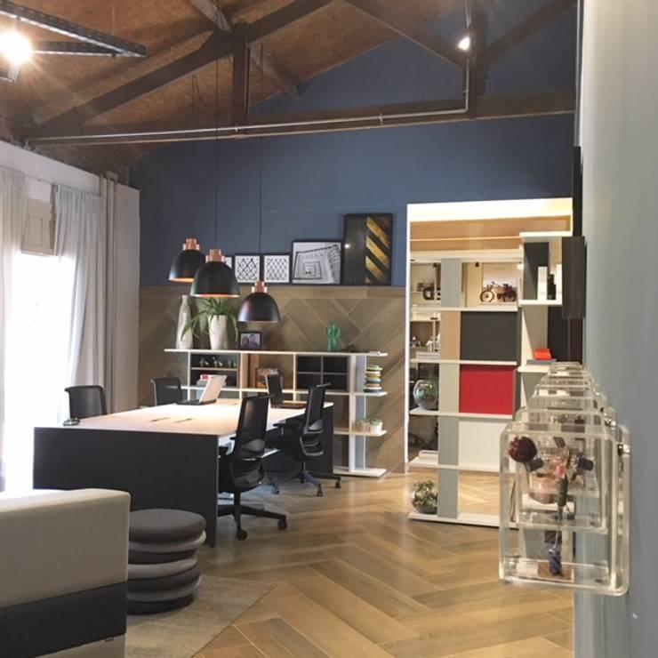 coworking : Escritórios  por Erlon Tessari Arquitetura e Design de Interiores
