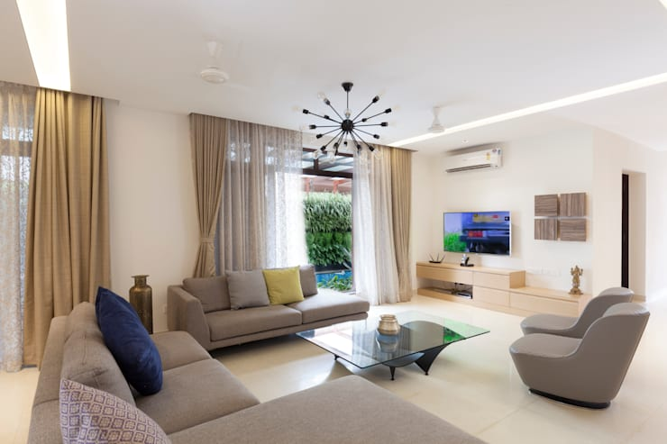 Residence No.1 at Panache, chennai:  Living room by Synergy Architecture and Interiors,Modern