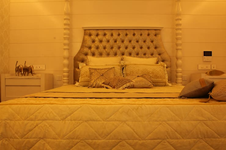 Hawamahal Quilted Customized 11 piece Bedspread  :  Bedroom by Studio 63,