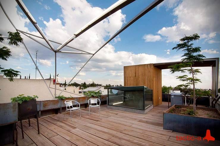 Casa CDP: Terrazas de estilo  por tactic-a