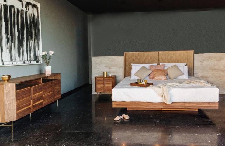 Dormitorios de estilo  por TRRA