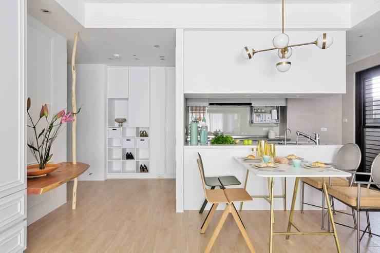 五彩法式:  餐廳 by 文儀室內裝修設計有限公司