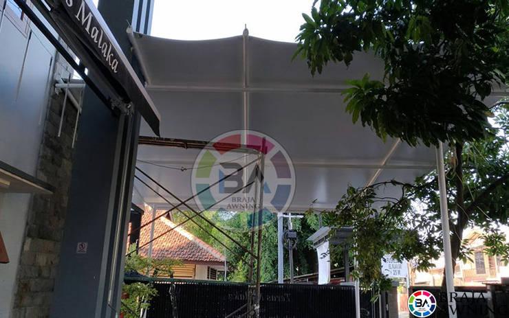 Tenda Membrane Jakarta (Cafe):  Balconies, verandas & terraces  by Braja Awning & Canopy