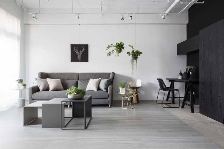 放。鬆宅 :  客廳 by 文儀室內裝修設計有限公司