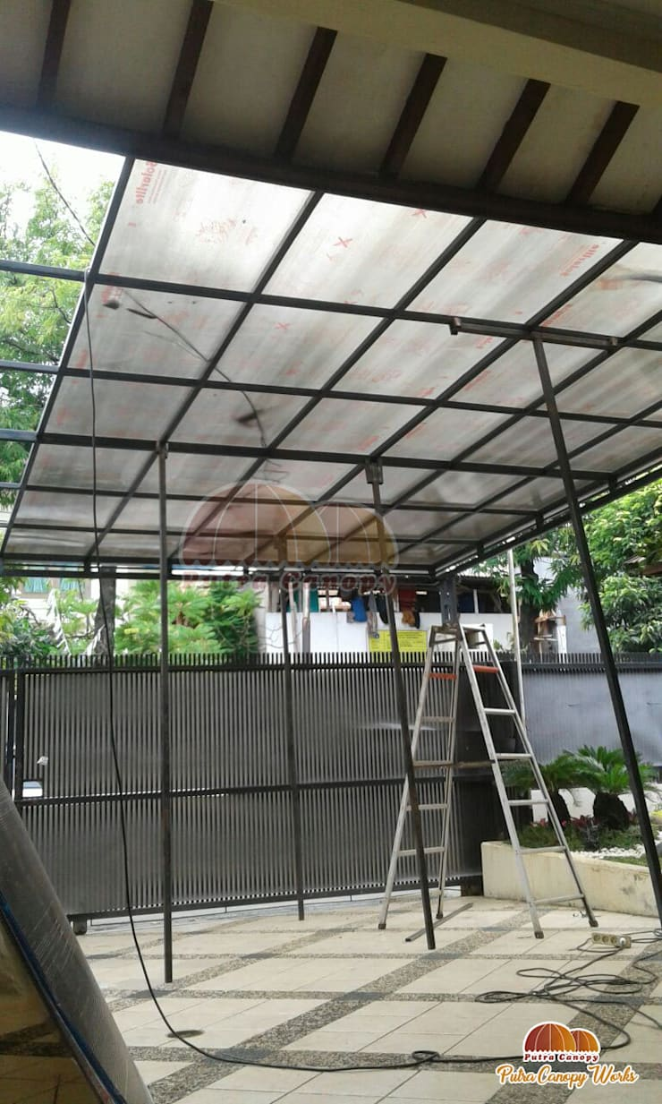 Canopy Polycarbonate Jakarta:  Balconies, verandas & terraces  by Putra Canopy