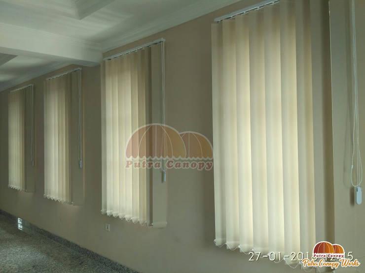 Vertical Blind Jakarta (Gedung OJK):  Windows & doors  by Putra Canopy