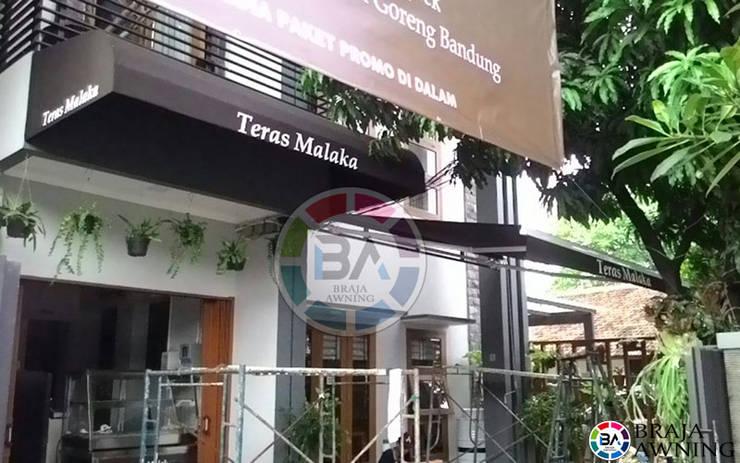 Canopy Kain Jakarta (Teras Malaka):  Balconies, verandas & terraces  by Braja Awning & Canopy
