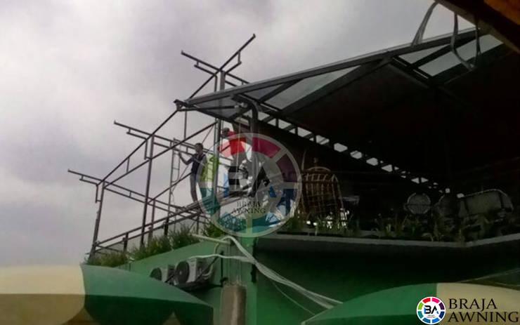 Tenda Membrane Bogor (Cafe):  Balconies, verandas & terraces  by Braja Awning & Canopy