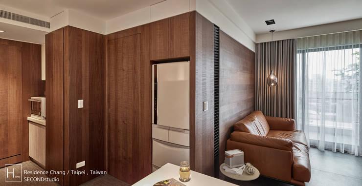 客廳 / Living room:  走廊 & 玄關 by SECONDstudio