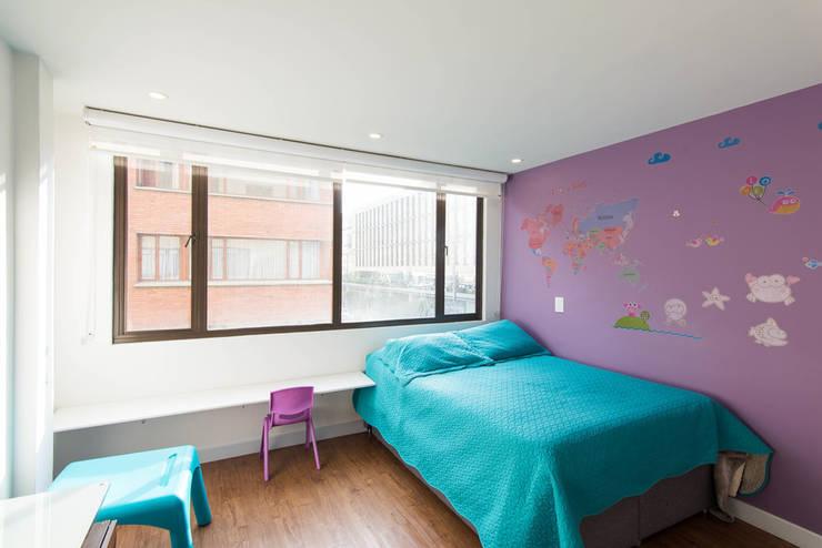 97-11A: Habitaciones de estilo clásico por ARCE S.A.S