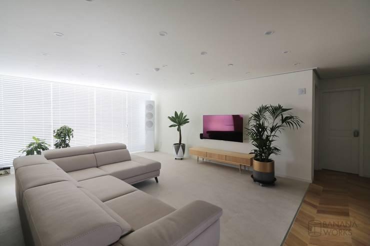 غرفة المعيشة تنفيذ 바나나웍스