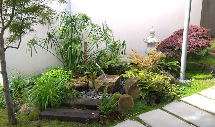Giardino Zen in stile  di Jardines Japoneses -- Estudio de Paisajismo