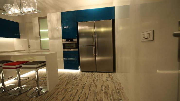 Dapur oleh aasha interiors, Modern