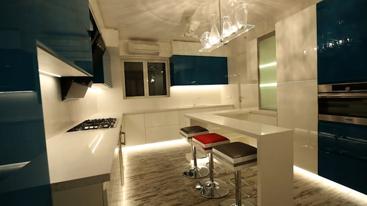 Hiranandani, Thane: modern Kitchen by aasha interiors
