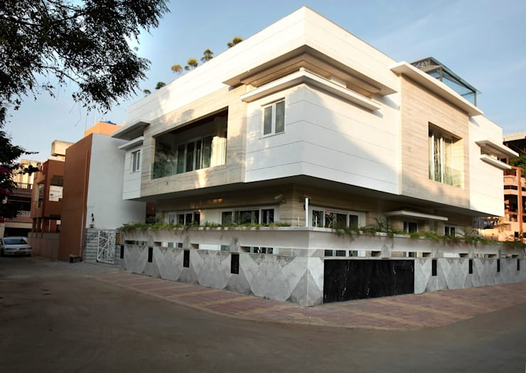 Mr Anil nahata's bungalow:  Houses by Innerspace,Modern