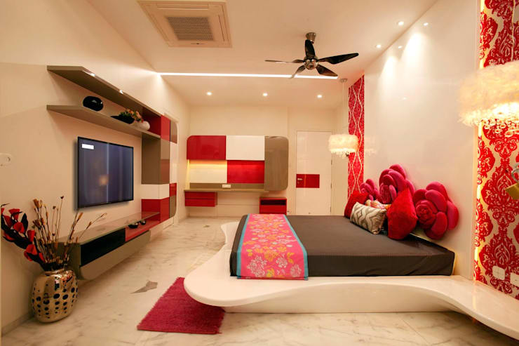 Mr Anil nahata's bungalow:  Bedroom by Innerspace,Modern
