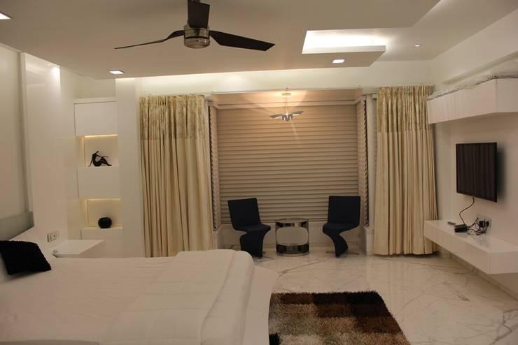 Chugh Villa Moderne Schlafzimmer von Innerspace Modern
