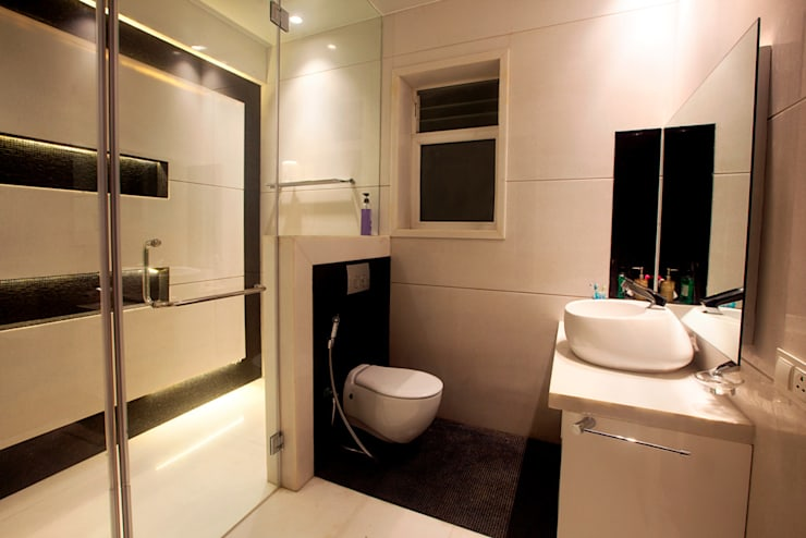 Indra hira bungalow:  Bathroom by Innerspace,Modern