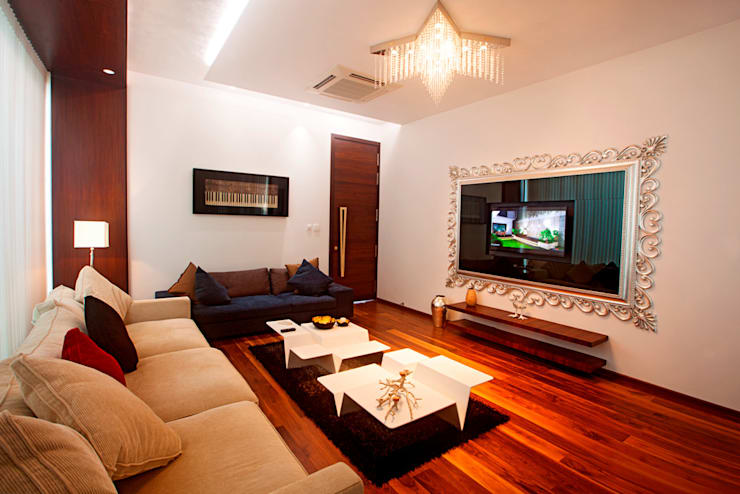 Indra hira bungalow:  Living room by Innerspace