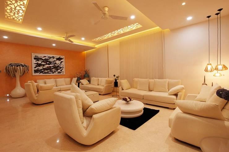 Nemi Villa:  Bedroom by Innerspace,Modern