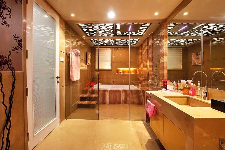 Nemi Villa:  Bathroom by Innerspace,Modern