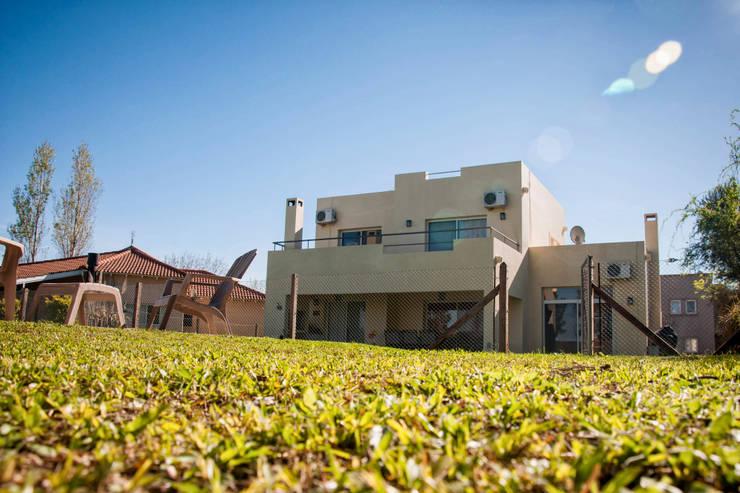 Casa 347: Casas de estilo  por Papillon Arquitectura