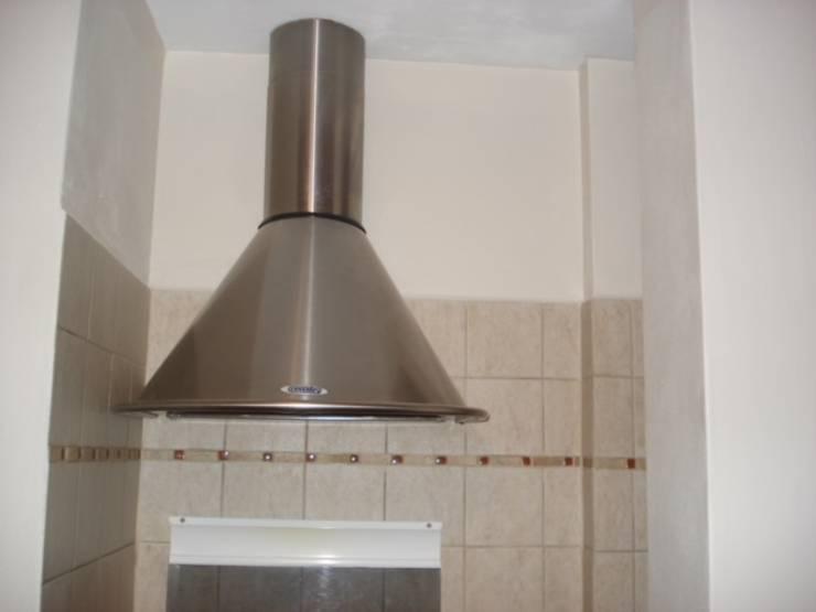 Cocina:  de estilo  por ANADECO - Decoradora y Diseñadora de Interiores - La Plata,