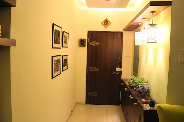 Residential Interior Projects:  Corridor & hallway by deZinebox
