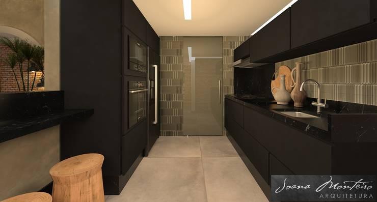 Projeto de Decoração: Armários e bancadas de cozinha  por Arquiteta Joana Monteiro