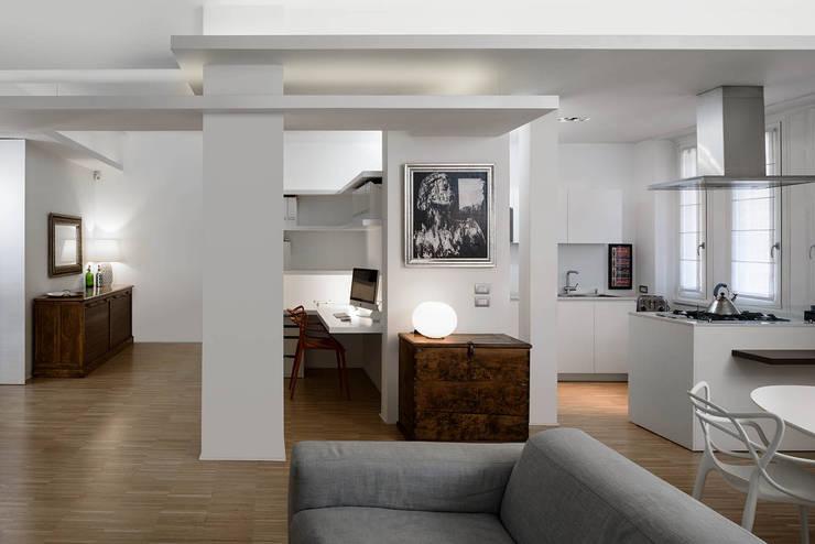 Salas de estilo  por Patrizia Burato Architetto