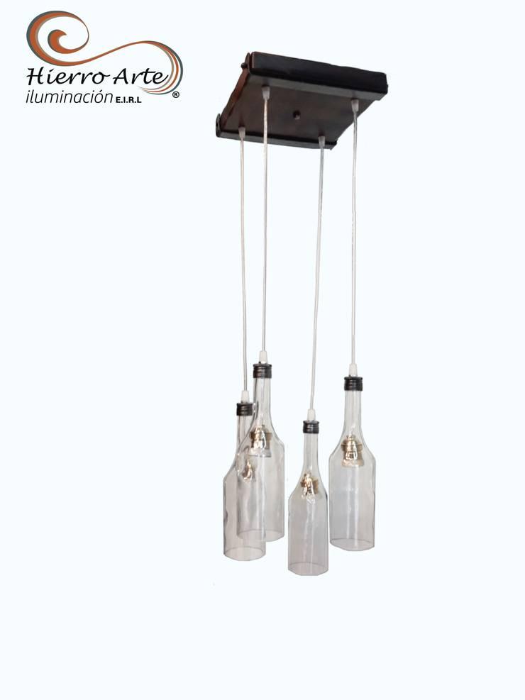 de estilo industrial por Hierro Arte Iluminación EIRL, Industrial Madera Acabado en madera
