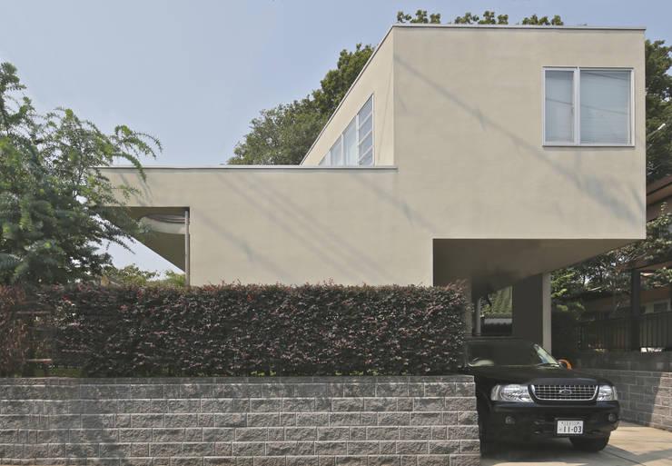 狭山:こだわりを持つ若夫婦のための家: JWA,Jun Watanabe & Associatesが手掛けた家です。