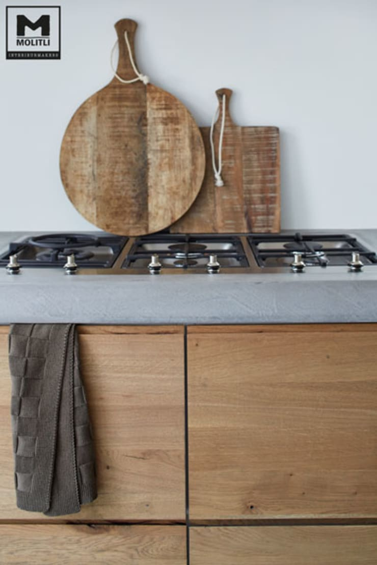 Kitchen by Molitli Interieurmakers, Scandinavian Wood Wood effect