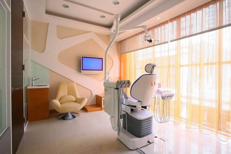 尚揚牙醫:   by 台中室內設計-築采設計