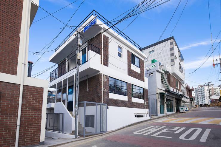배다리주택 '오붓': AAPA건축사사무소의  일세대용 주택,